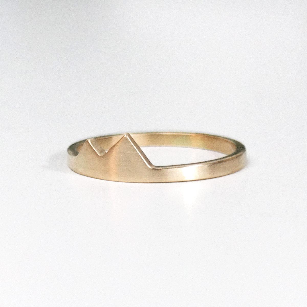 14k yellow gold mountain range ring